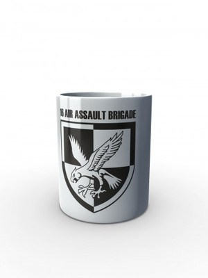 Bílý hrnek 16 AIR ASSAULT BRIGADE
