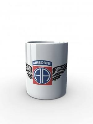 Bílý hrnek U.S. Army 82nd Airborne Division WINGS