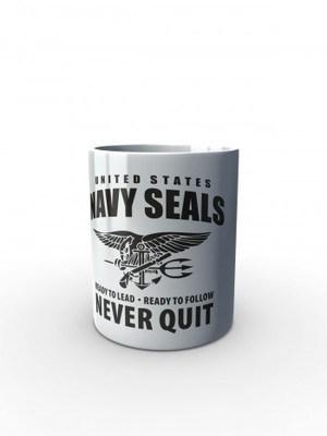 Bílý hrnek United States NAVY SEALS Never Quit
