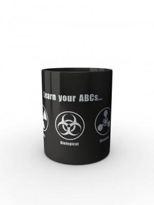 Černý hrnek Learn your ABCs