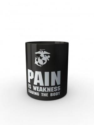 Černý hrnek USMC PAIN IS WEAKNESS LEAVING THE BODY